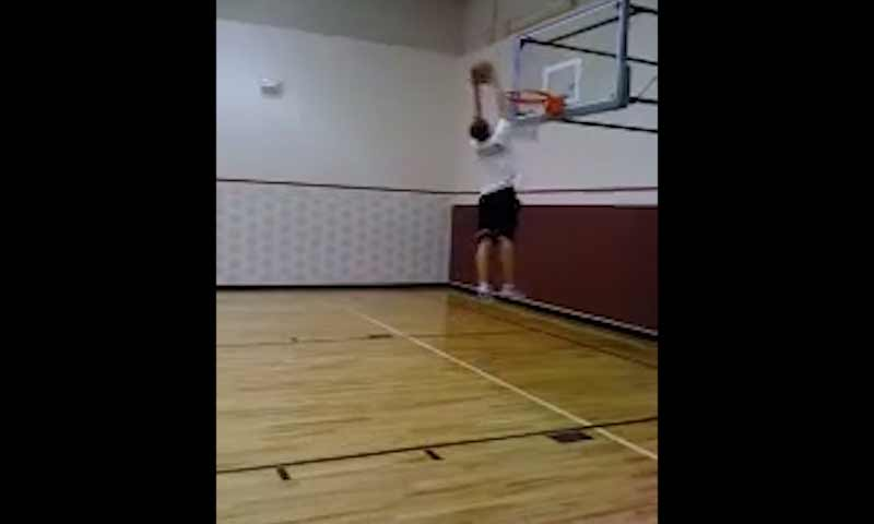 hs-basketball-dunk